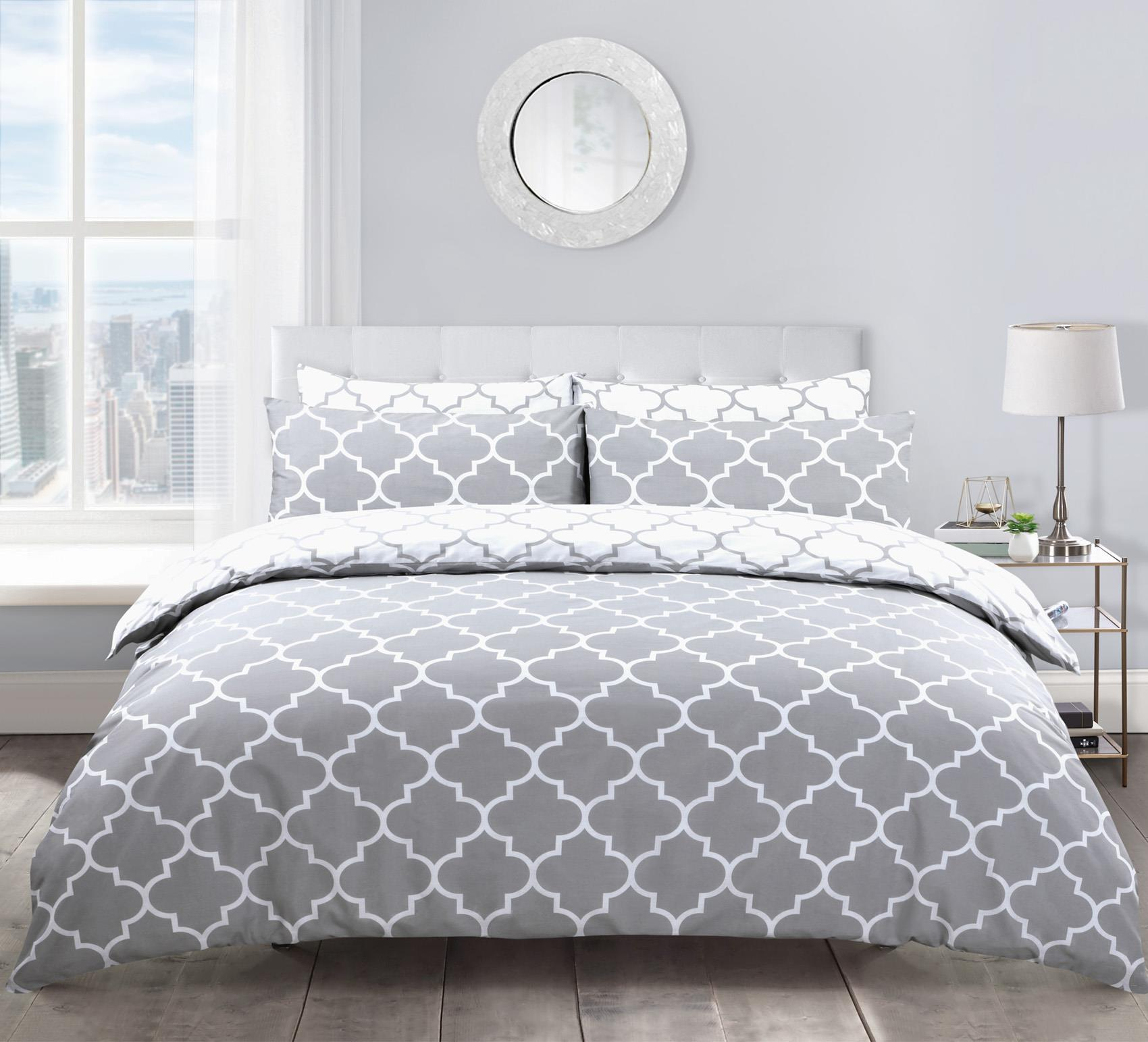 Geometric Lattice Patterned Reversible Grey White King Size Duvet Cover