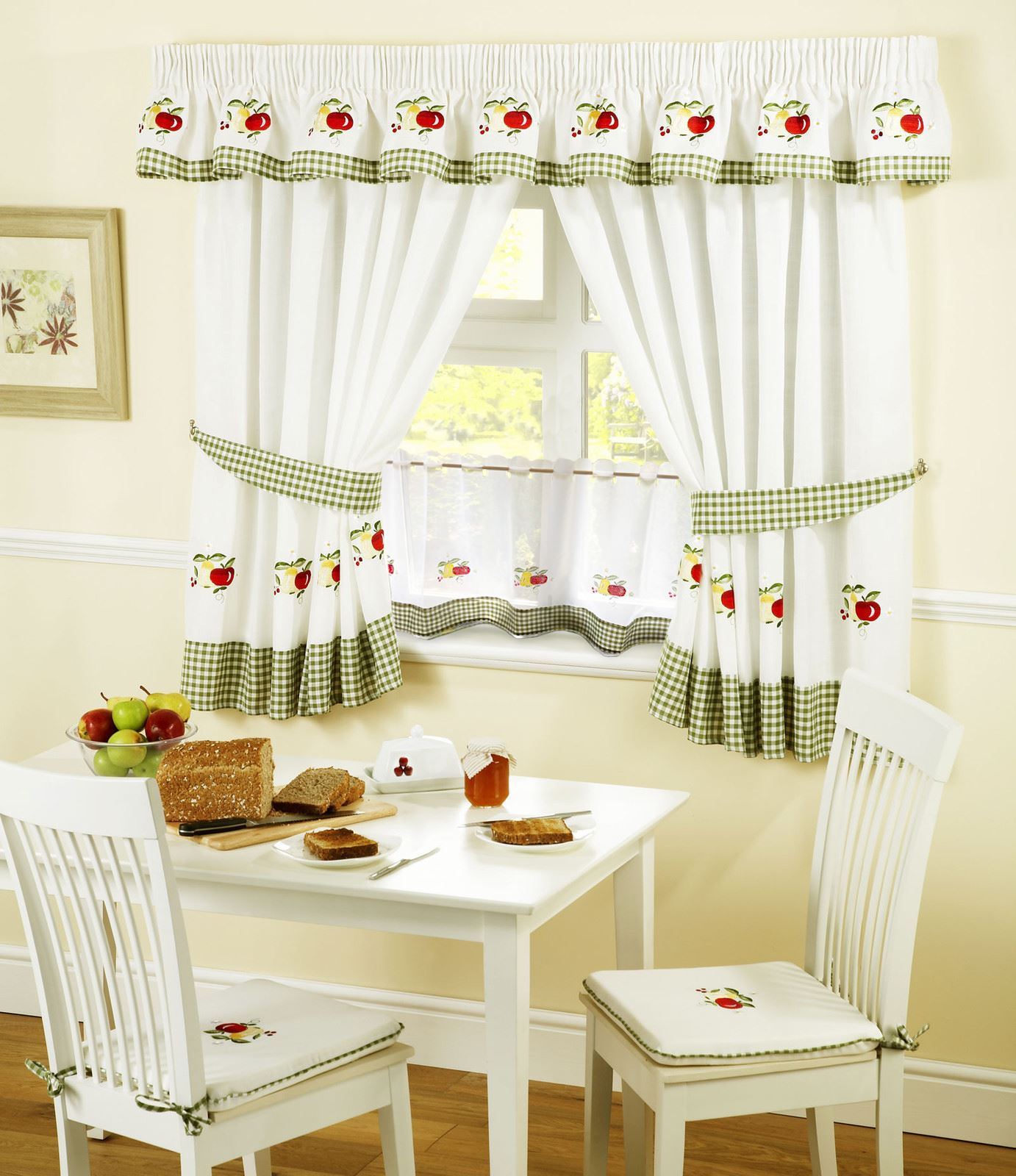"""APPLES & PEARS GINGHAM KITCHEN CURTAINS PELMET & 18"""" CAFE"""