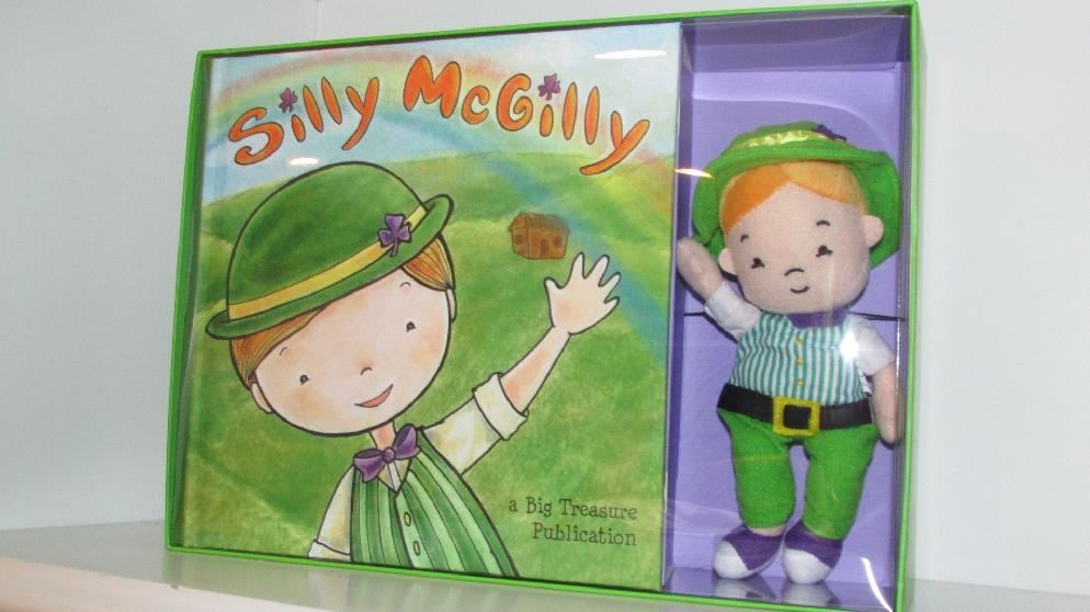 Patrick/'s Day Leprechaun NIB Great Gift Silly McGilly Book /& Doll Set St