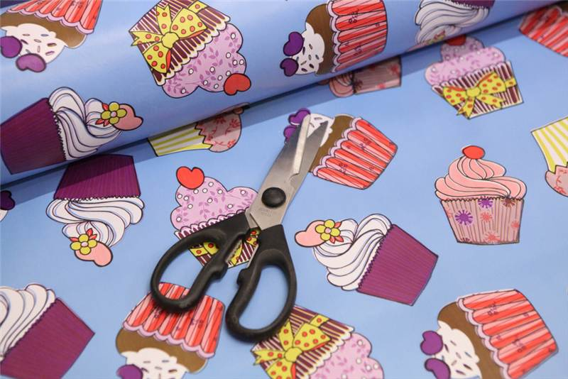 LARGE CUPCAKE OILCLOTH VINYL FABRIC KITCHEN TABLE WIPECLEAN