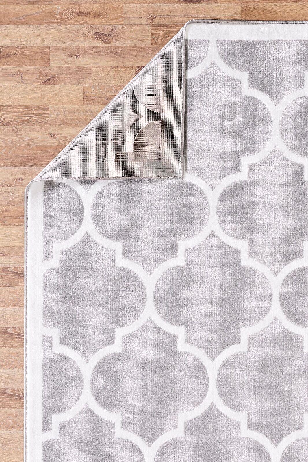 Large Modern Geometric Moroccan Trellis Thin Carpet Silver
