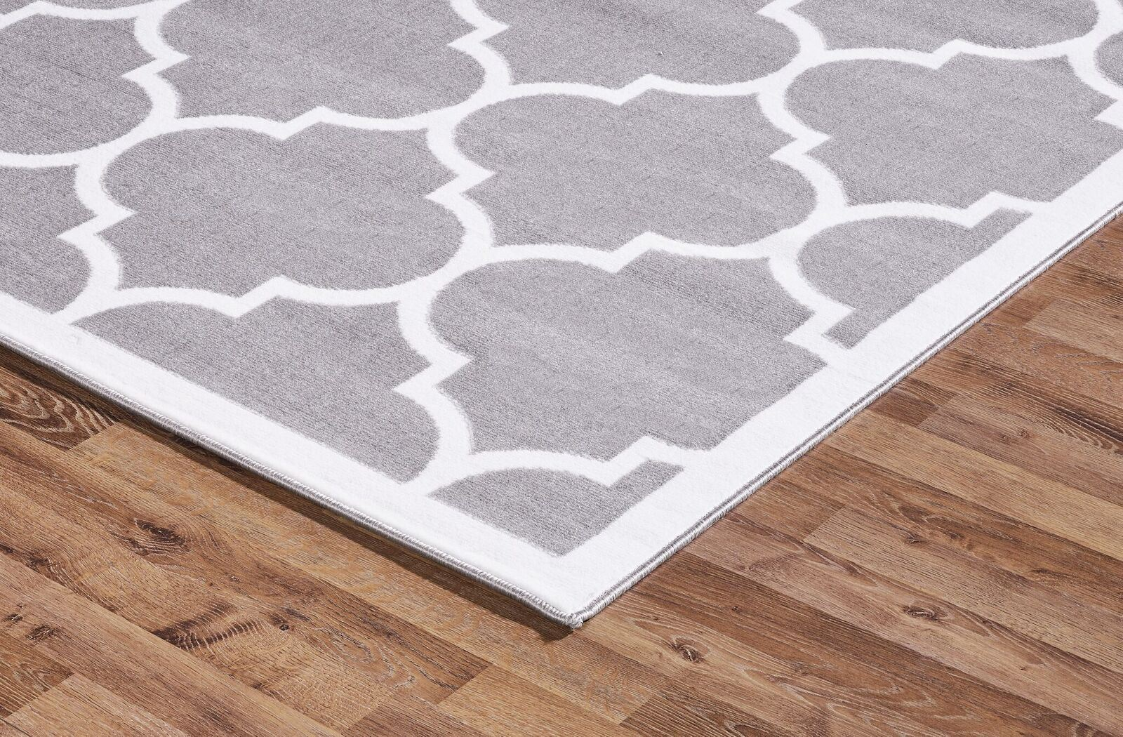 Large modern geometric moroccan trellis thin carpet silver for Geometric print area rugs