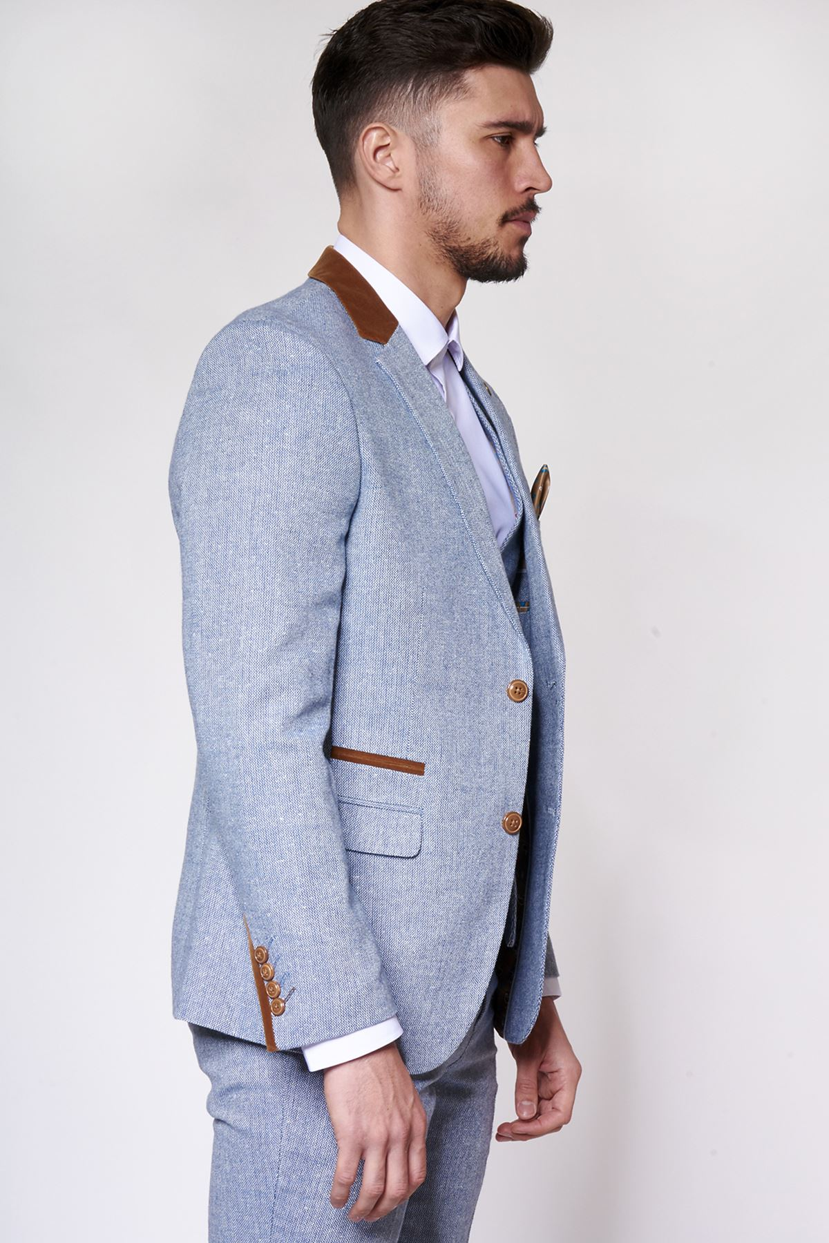 Tweed Blazers. Tweed is a classic and sophisticated fabric and a tweed blazer is a great option to achieve that smart casual look. Our selection of men's tweed jackets have been carefully crafted to give you that tailored feel and are so versatile they are the perfect choice for any occasion.