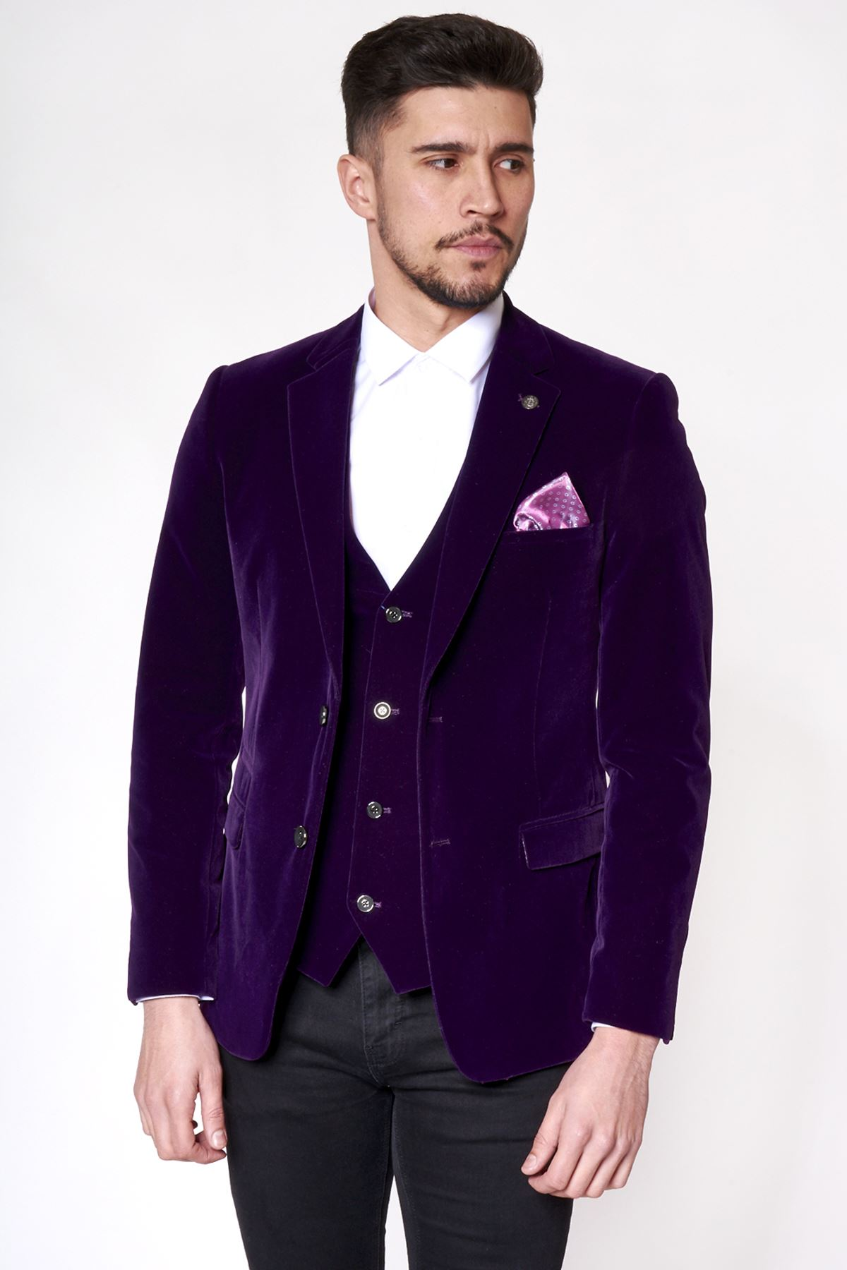 Your Guide to Wearing a Waistcoat. A dark green waistcoat with a brown jacket works well in Winter, and lilac is a favoured choice for weddings. David Gandy wearing a waistcoat PHOTO CREDIT: Pinterest. The Idle Man – Coat The Idle Man – Trousers. Dr Martins – Brogues.