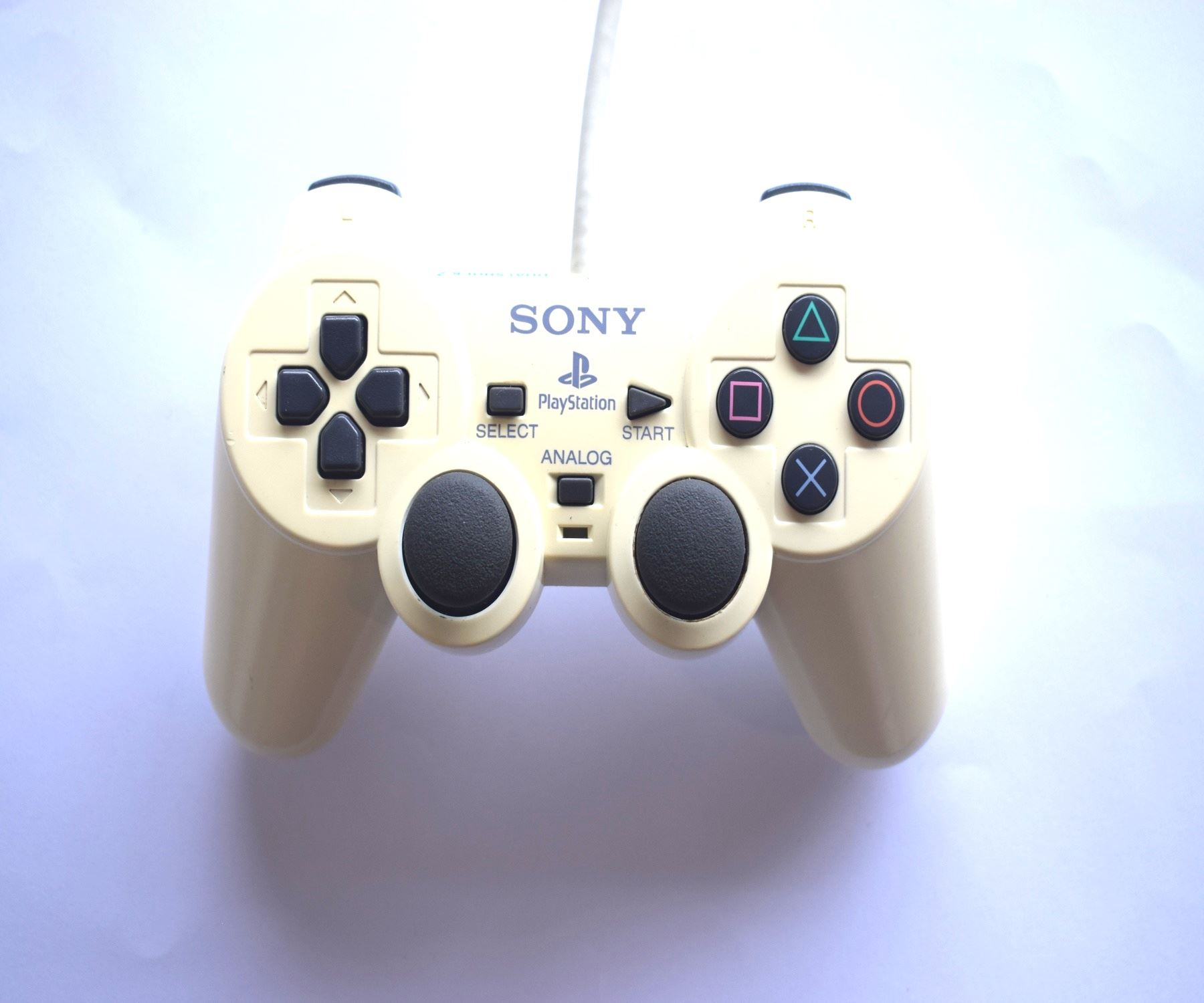 Original-Official-Sony-Dual-Shock-2-PS2-Wired-Controller-Pad-Multiple-Colours thumbnail 14