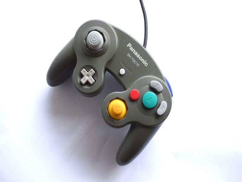 Nintendo-Gamecube-Ufficiale-Originale-Controller-Vari-Colori-Disponibile thumbnail 13