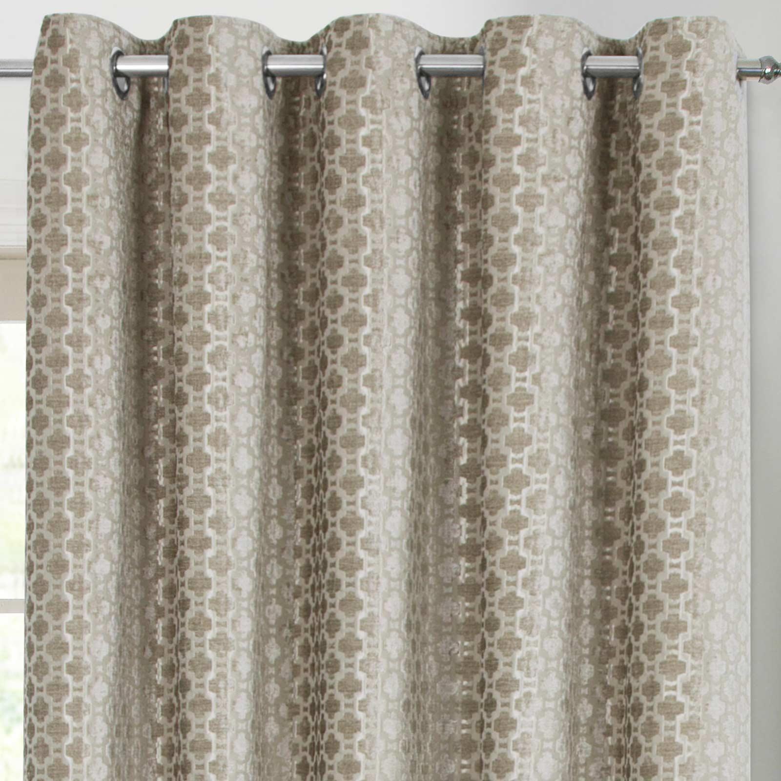 Cortinas con Ojales de color beige Crushed Velvet preparado con anillos superiores Cortina Pares