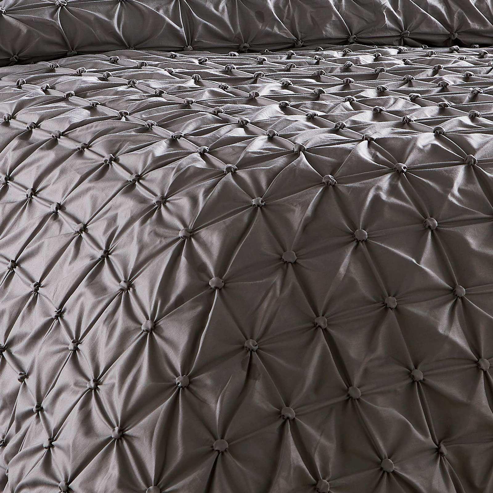 Pleated-Duvet-Covers-Seville-Pintuck-Luxury-Cotton-Rich-Quilt-Bedding-Sets thumbnail 3