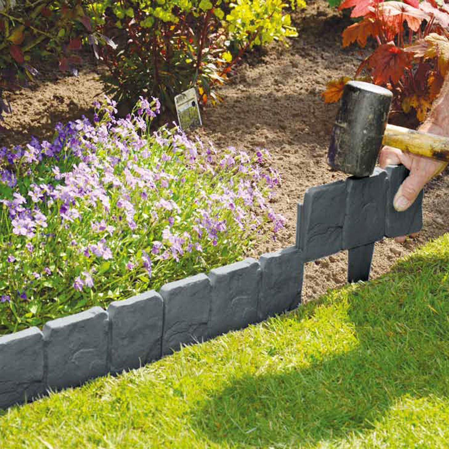 Perfect COBBLED STONE EFFECT HAMMER IN PLASTIC GARDEN LAWN