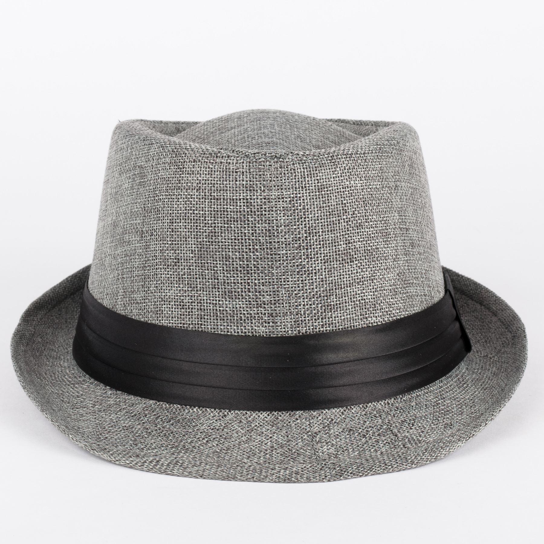 Chapeau-En-Feutre-Avec-Ruban-Noir-En-Satin