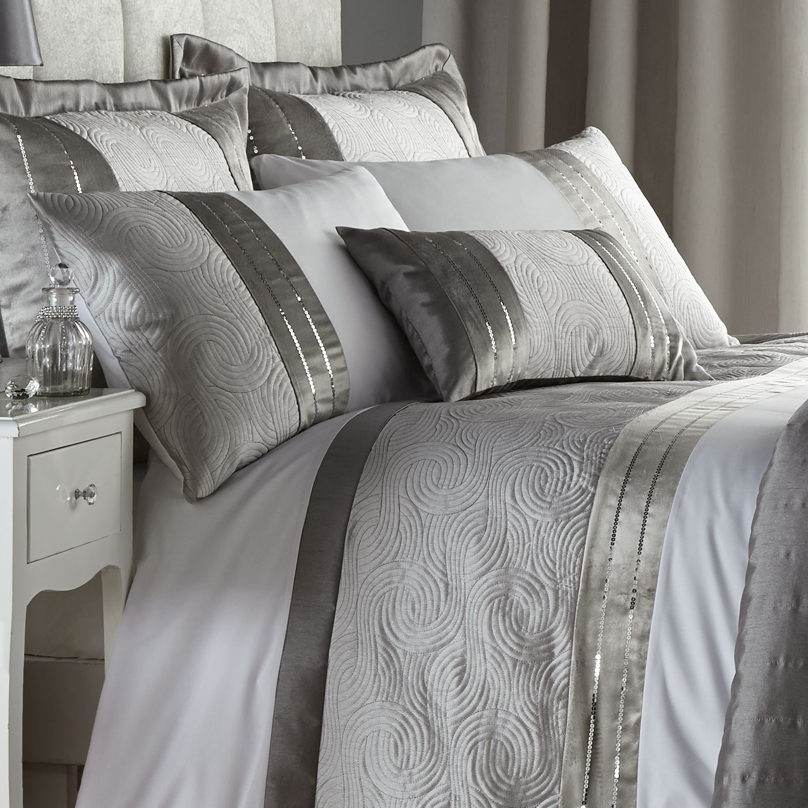 Sleigh Bedroom Sets King Bedroom Jpg Simple Bedroom Colour Design Bedroom Accessories Uk: Catherine Lansfield Gatsby Silver Sequin White Duvet Quilt