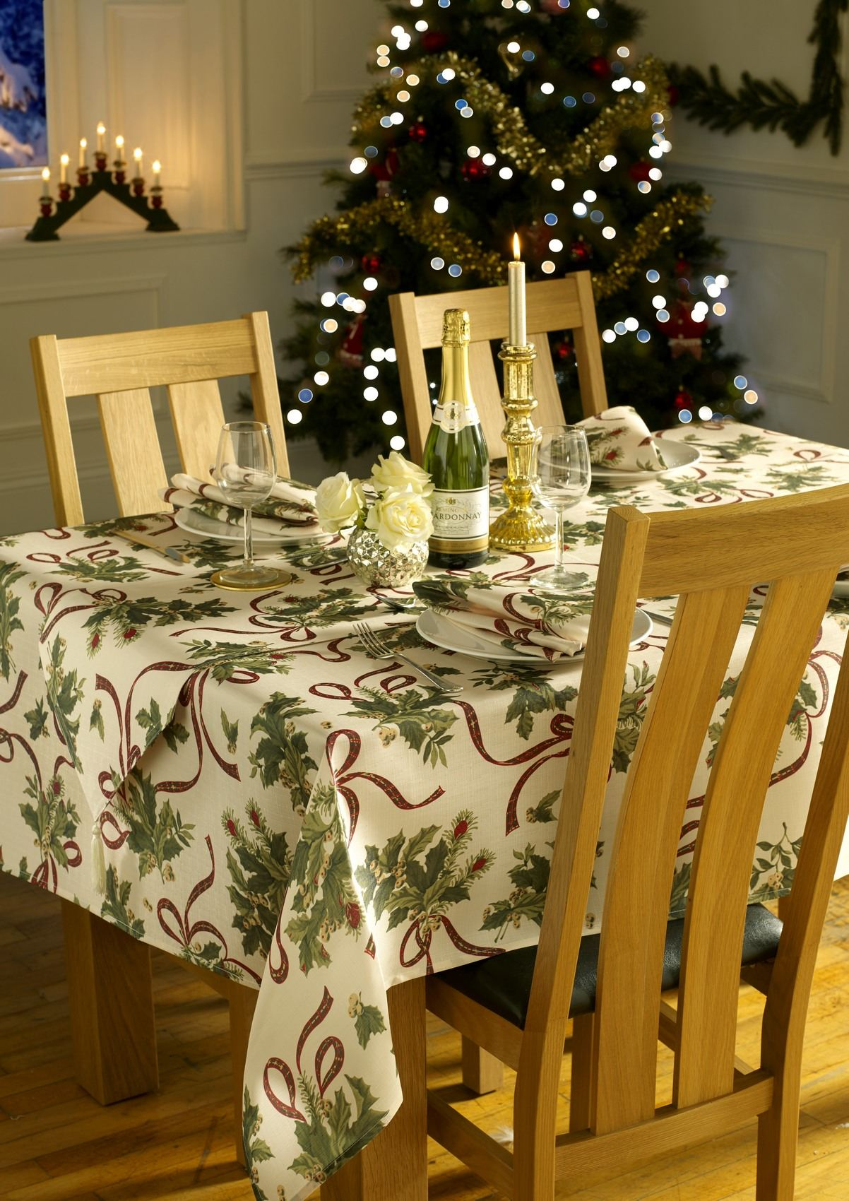 Christmas Xmas Table Cloths Or Runners Or Napkins Large Small Round Square Red Ebay