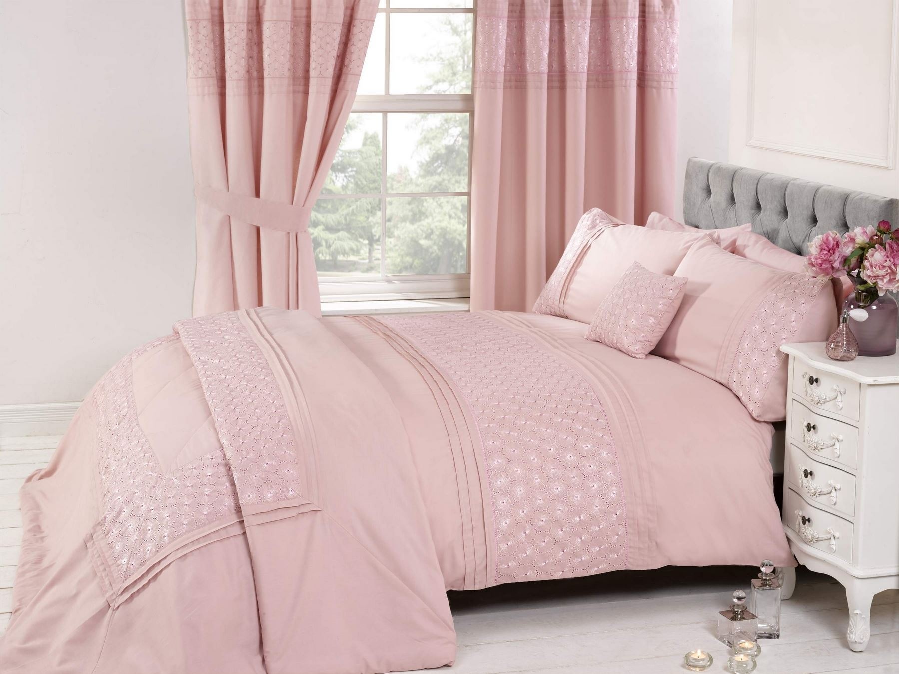 Embroidered or laced quilt duvet cover bedding bed sets for Cubierta cama