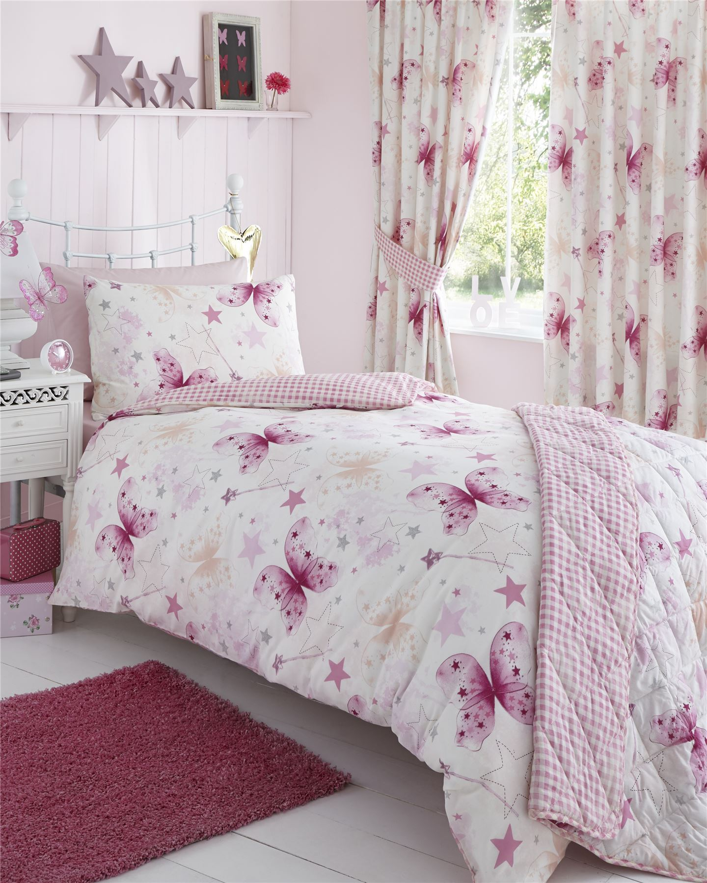 Complete Bedding Sets With Matching Curtains