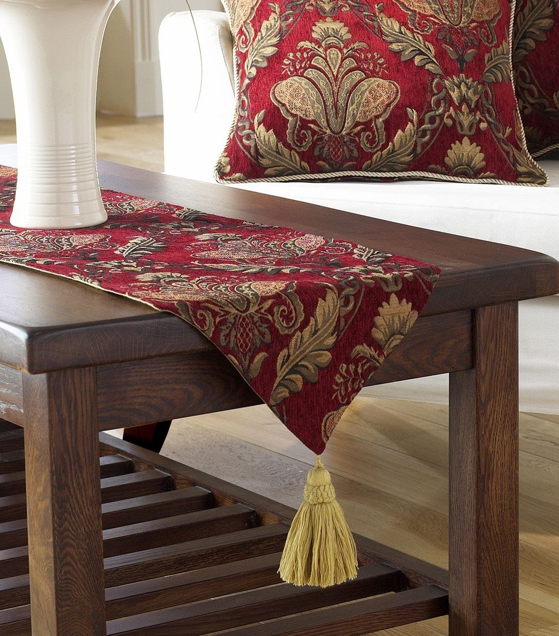 Table Cloth Cover Setting Or Runner Or Place