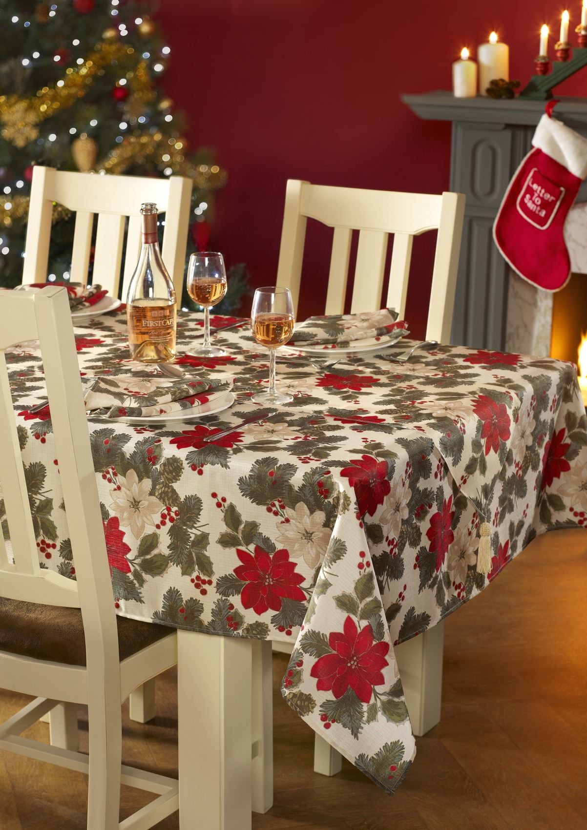 Christmas Xmas Table Cloths Or Runners Or Napkins Large
