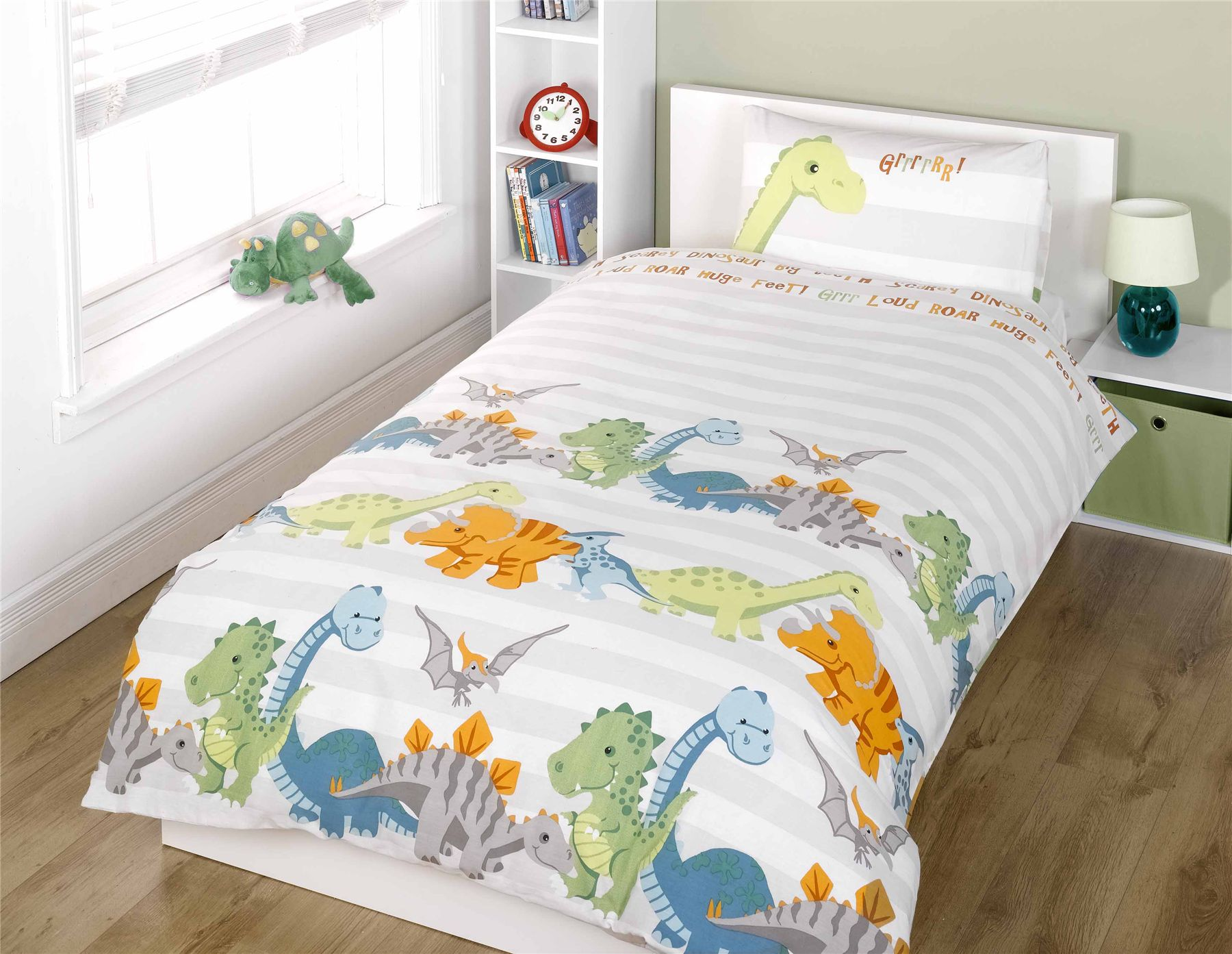 Kids' duvet sets are an excellent bedding choice for your child's room. Vivid colors and adorable designs add visual appeal and create a playful, whimsical atmosphere. The duvet covers in these sets offer practical benefits: they protect duvet inserts from wear and tear and they are easier to wash than traditional comforters.