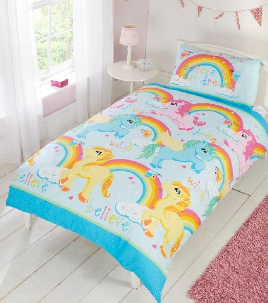 Kids Curtains Children's Curtains for boys and girls are a great way to create a colorful and fun look that will help the kids in your lives embrace their bedrooms. With all the effort we put into decorating our homes let's not forget our children's & teenagers bedroom.