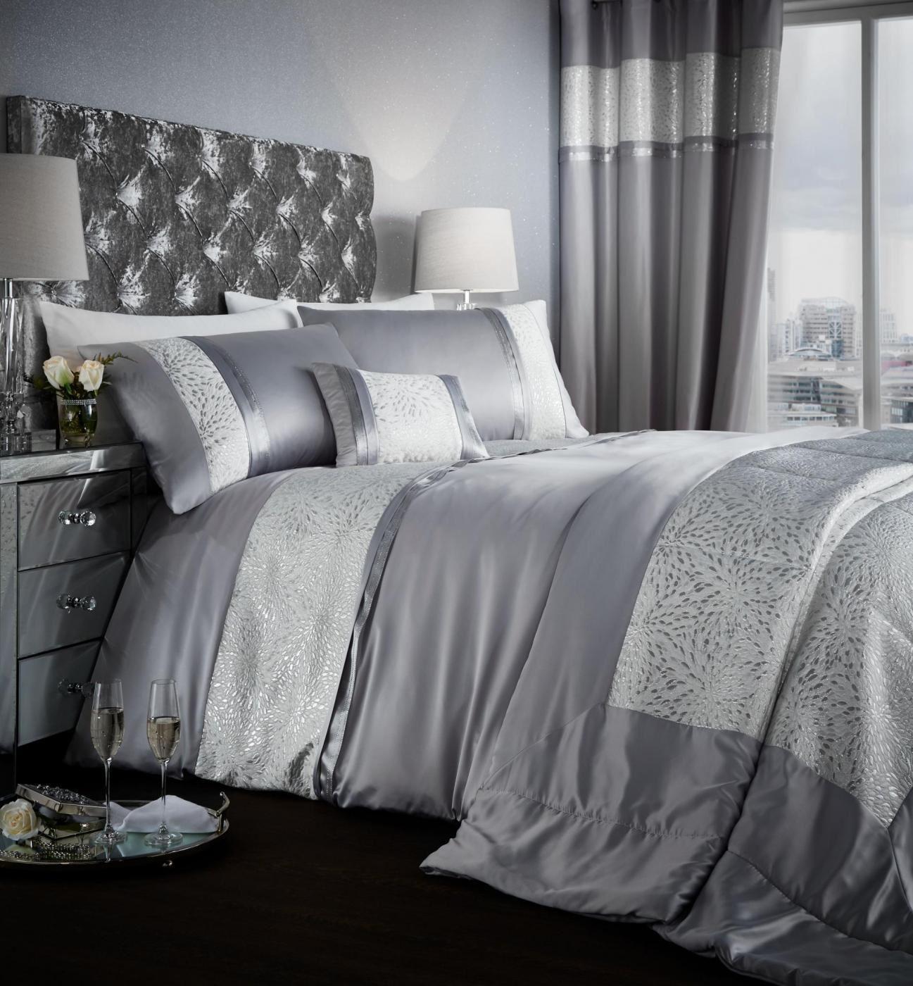 Catherine Lansfield Luxor Jacquard Duvet Cover Bed Set