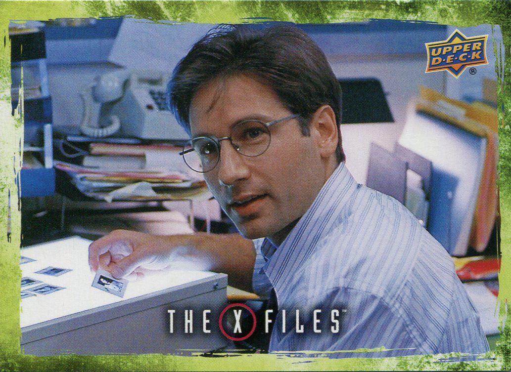 Fox Mulder Goes into Hiding X Files UFOs /& Aliens Sticker Card S-92 William