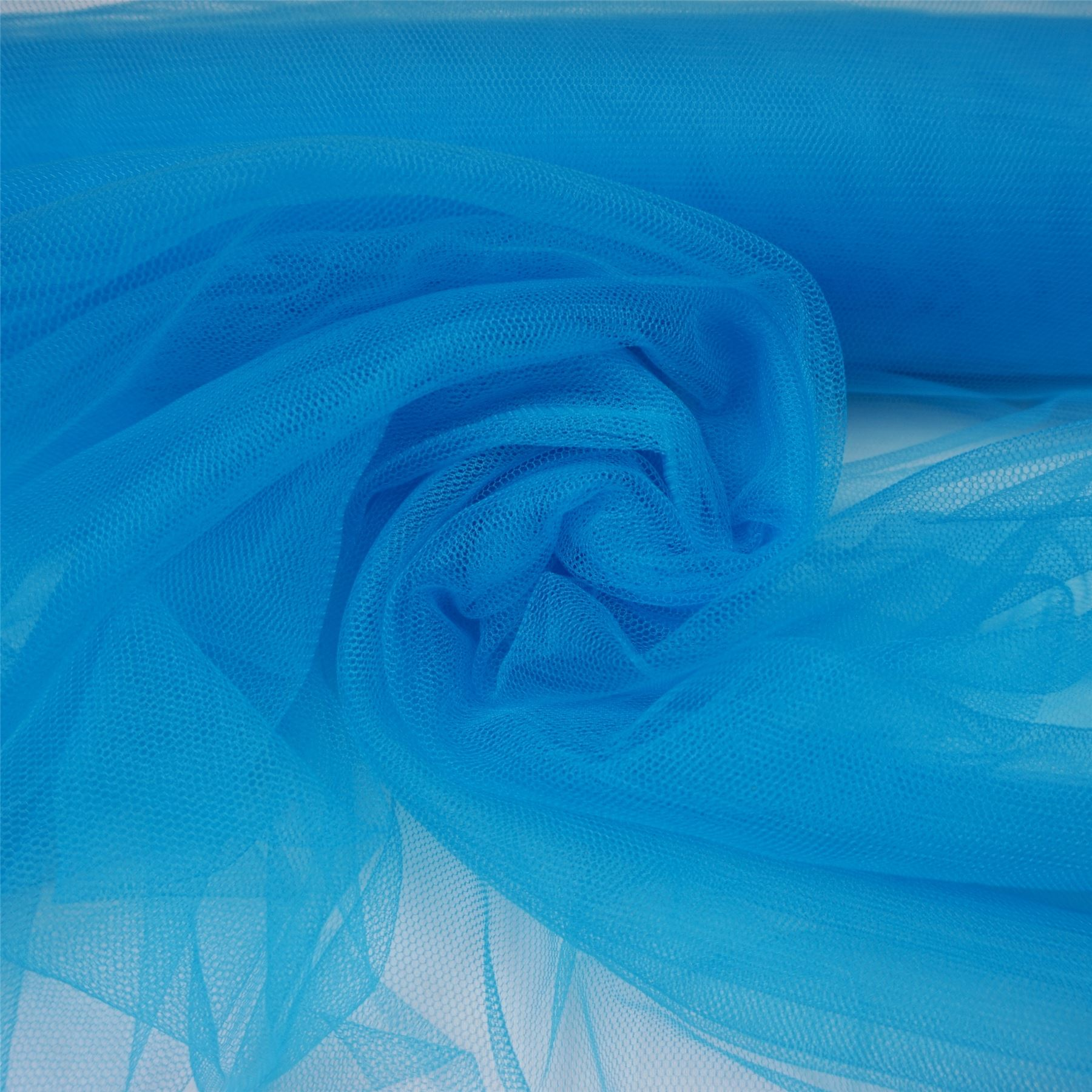 soft tulle veiling net fabric various colours per metre wedding decoration ebay. Black Bedroom Furniture Sets. Home Design Ideas