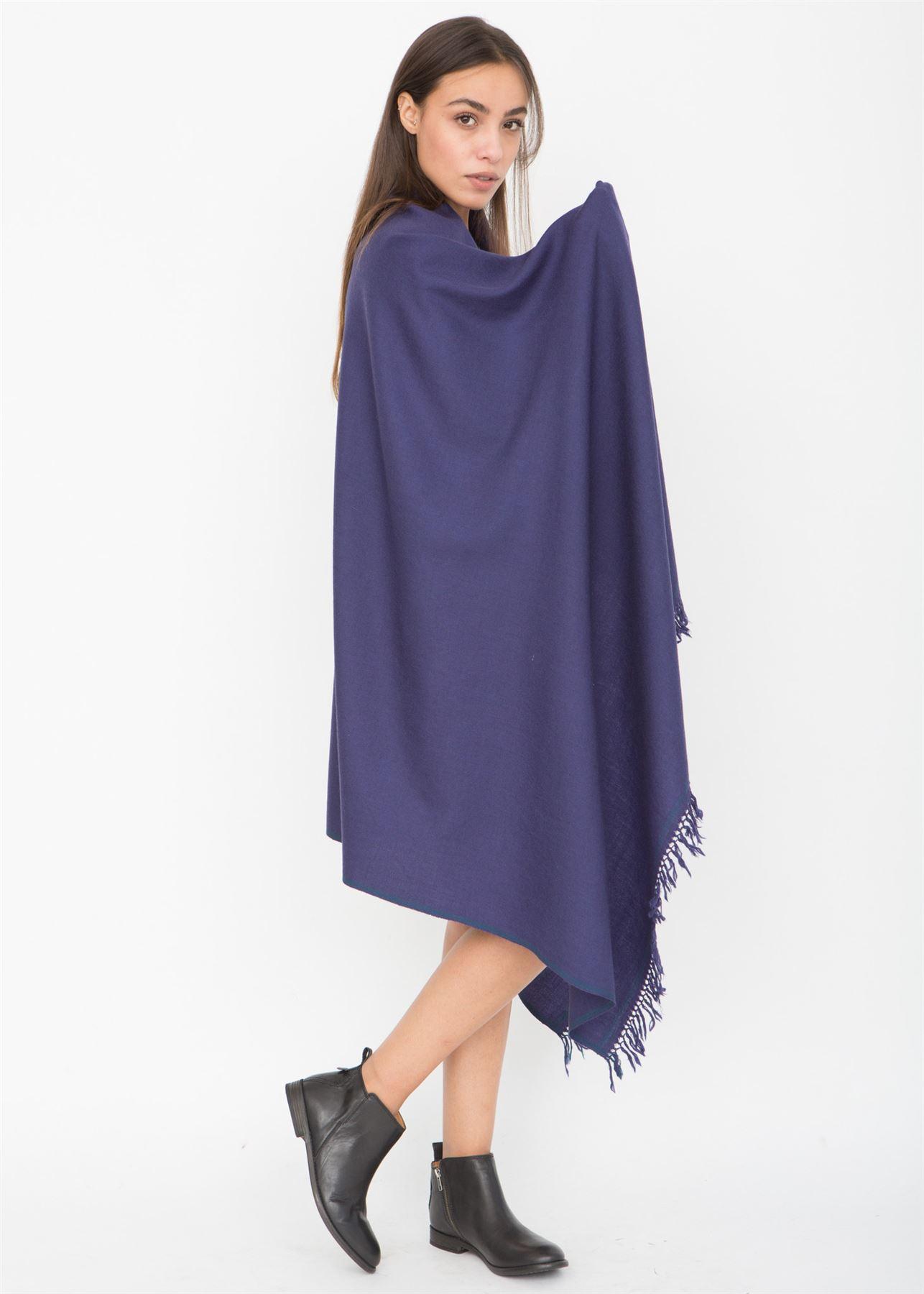 Shoreditch Merino tricoté main Pashmina et couverture écharpe encre ... a9574320f71