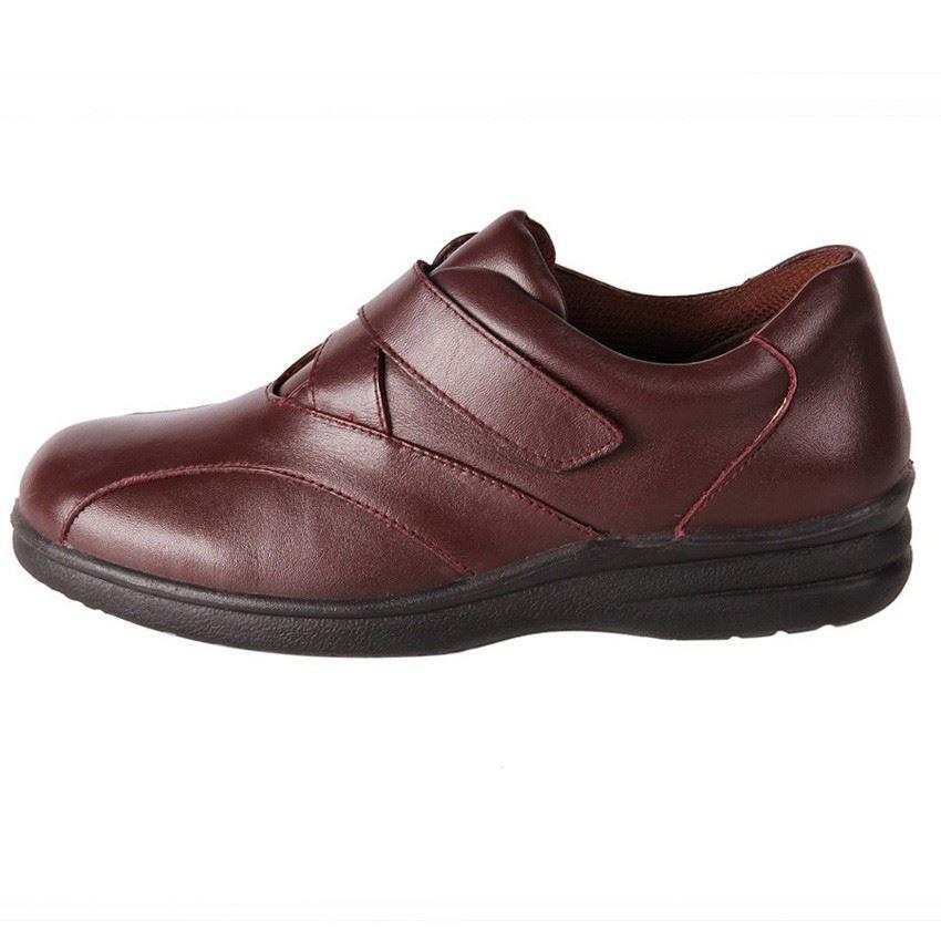 Pure Comfort Black Saturn Shoes