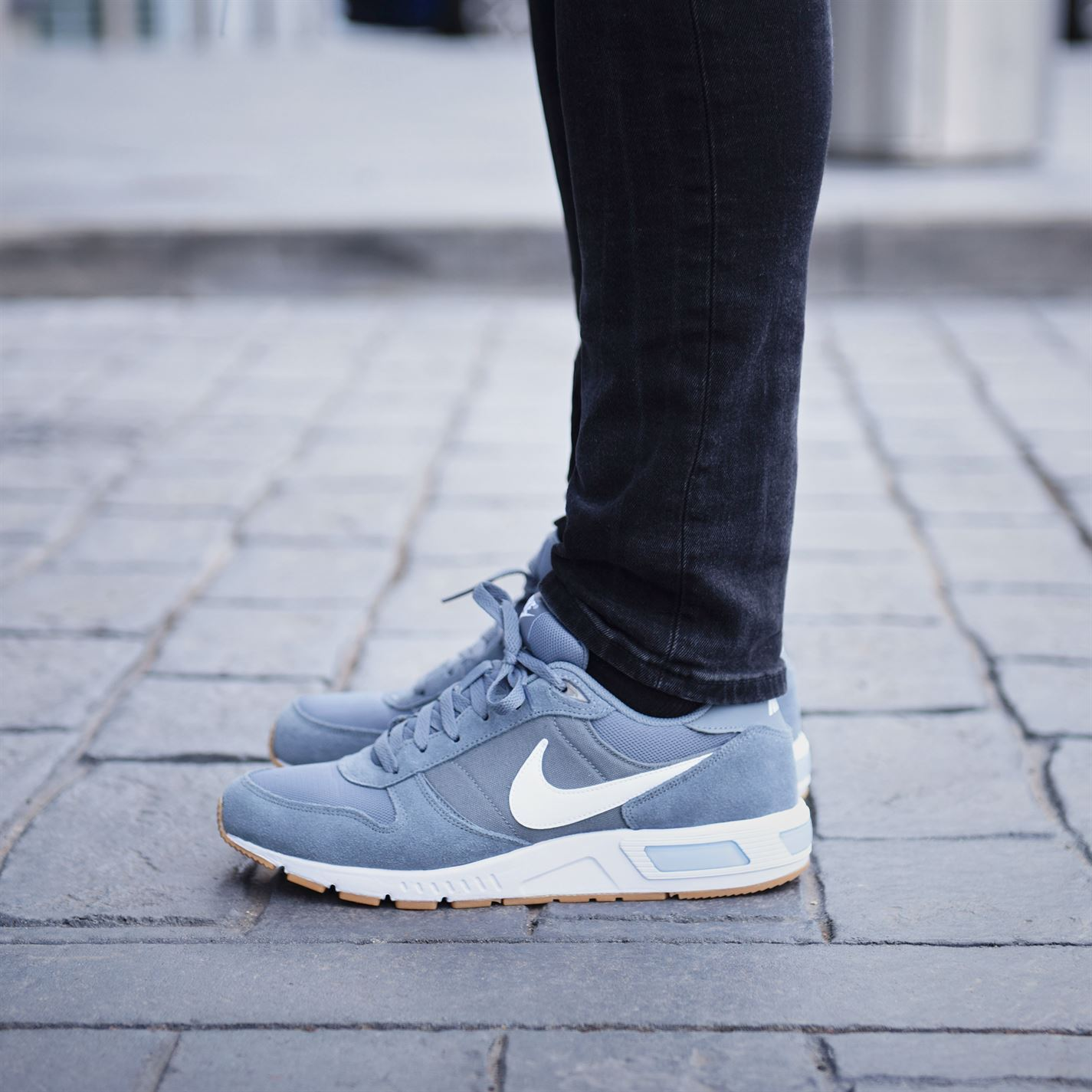 hot sale online 33837 11c81 ... Nike Nightgazer Trainers Mens Grey White Sports Shoes Sneakers