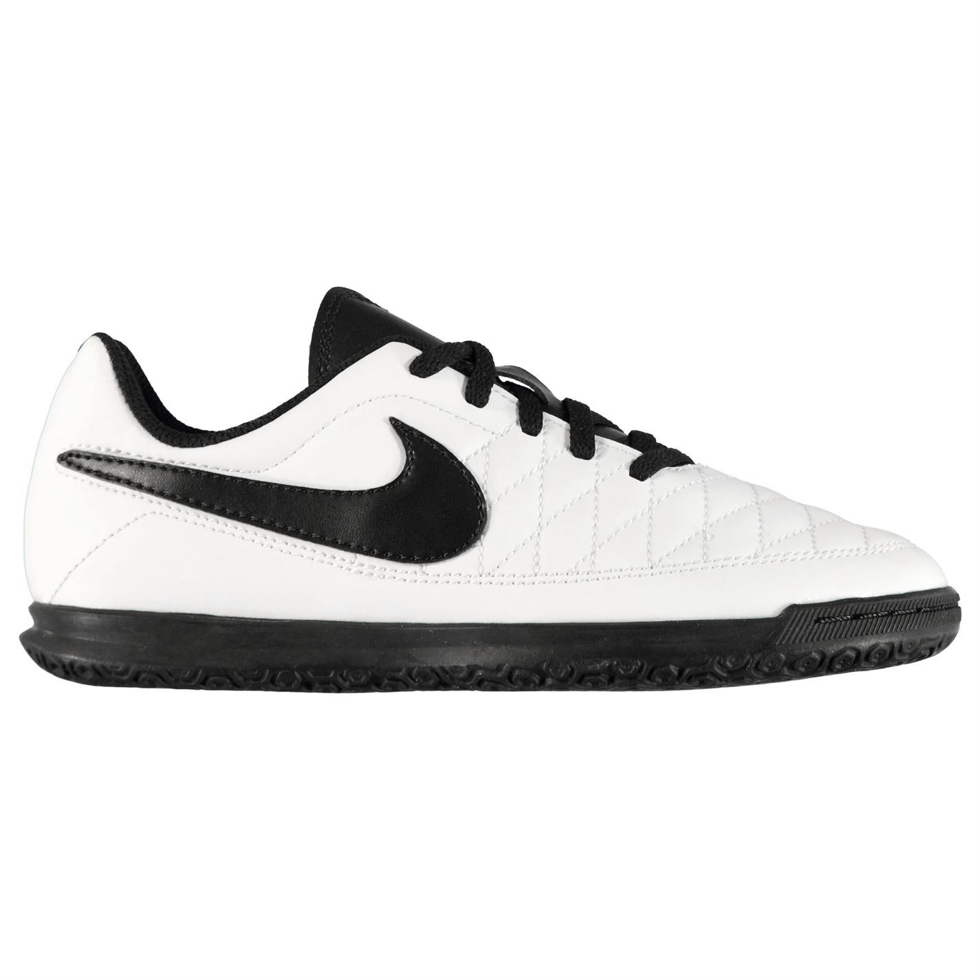 Nike-majestry-Indoor-Court-Football-formateurs-juniors-Football-Baskets-Chaussures miniature 12