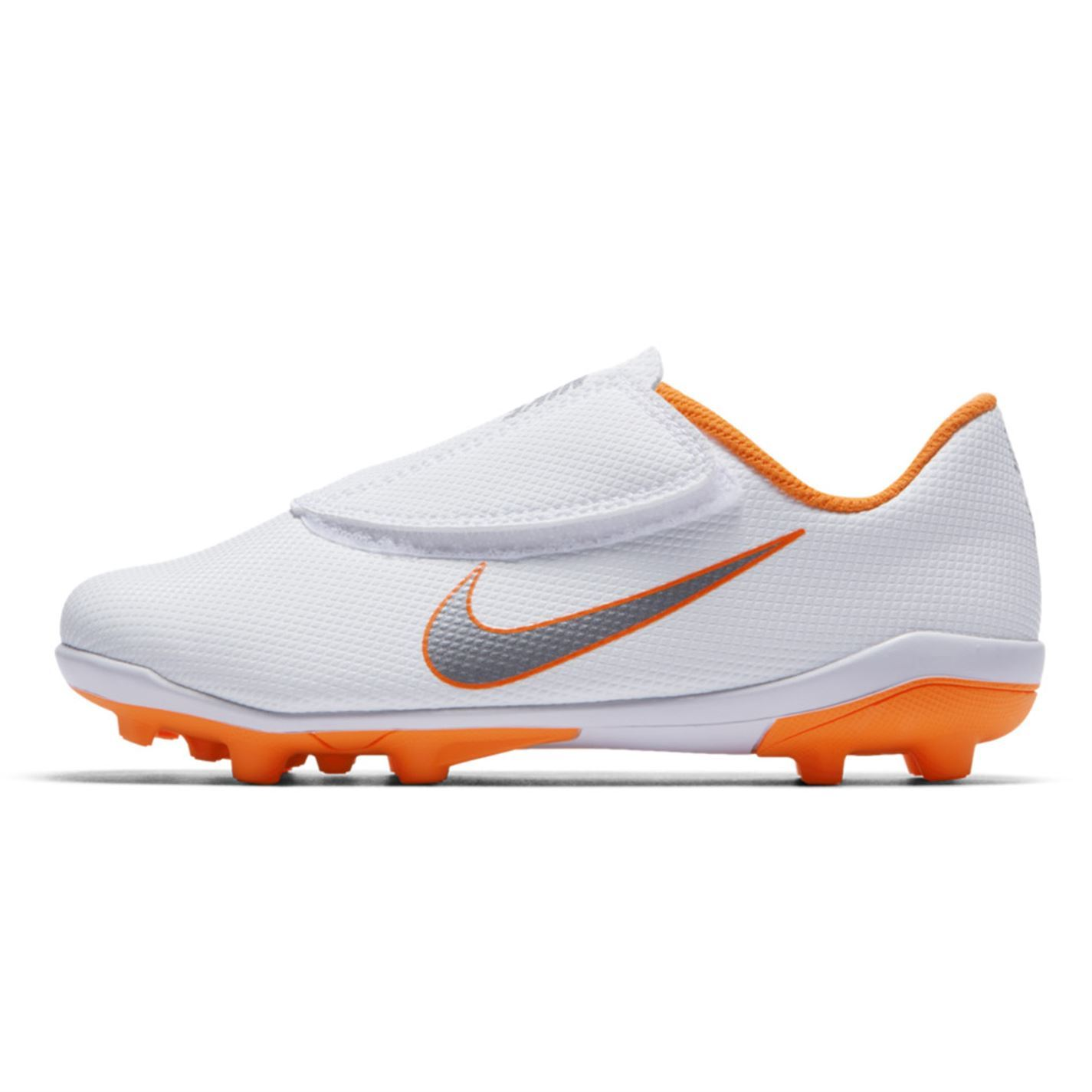 ... Nike Mercurial Vapor Club FG Football Boots Childs White Soccer Shoes  Cleats ... 39c42a947cc5d