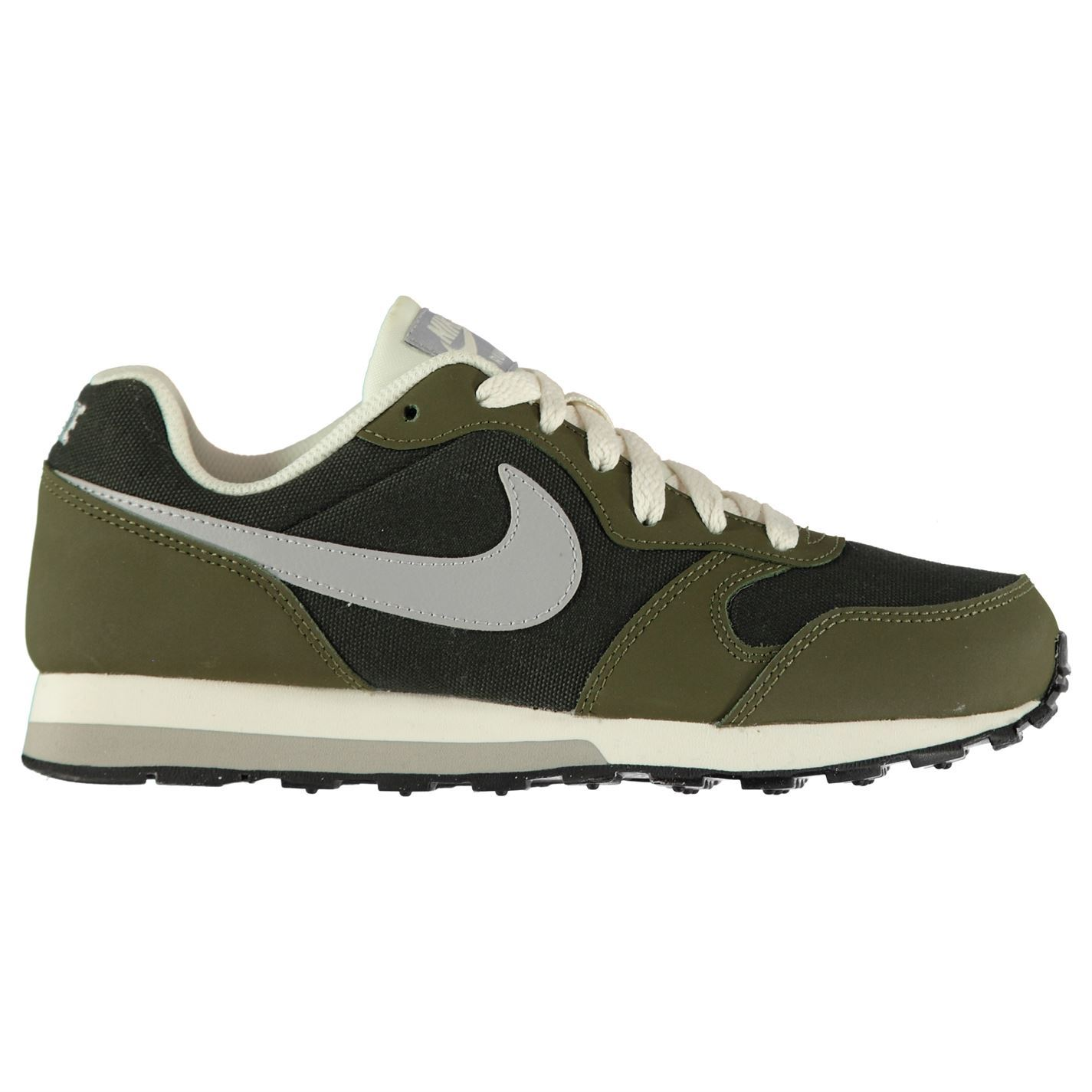 62828b8e59a ... Nike MD Runner 2 Junior Boys Trainers Shoes Footwear