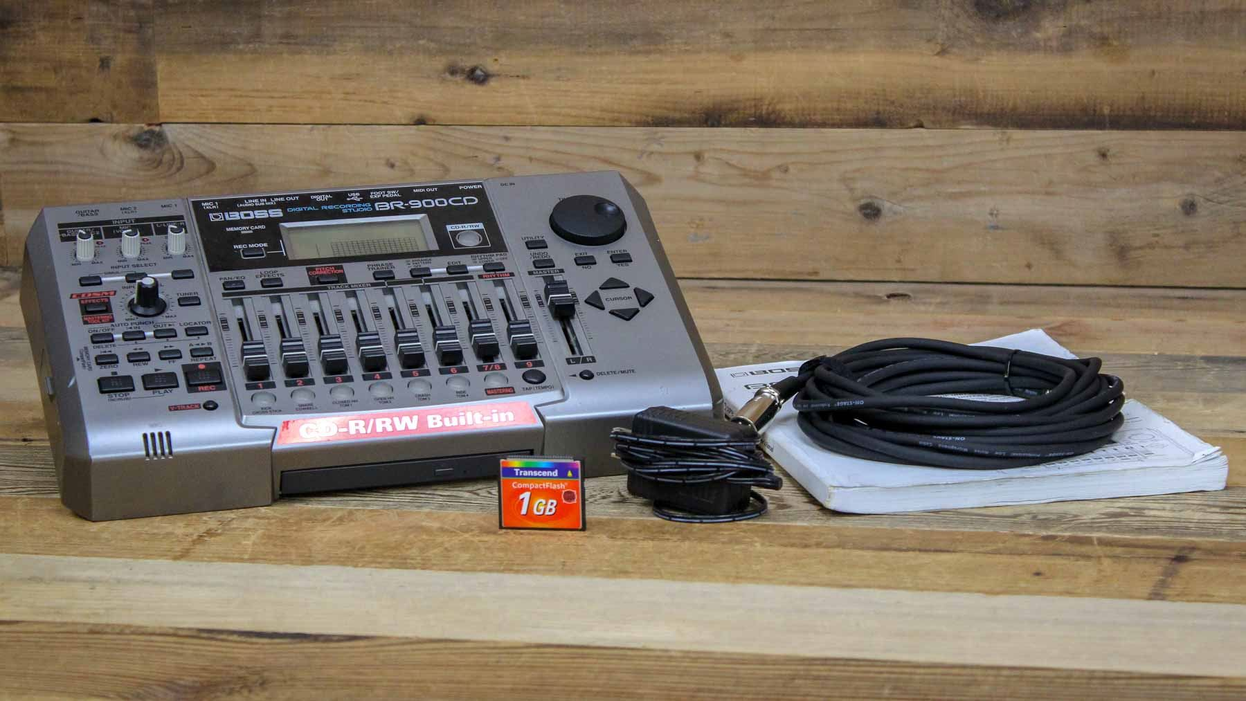 Boss BR 900CD Digital 8 Track Multitrack Recorder W Cable