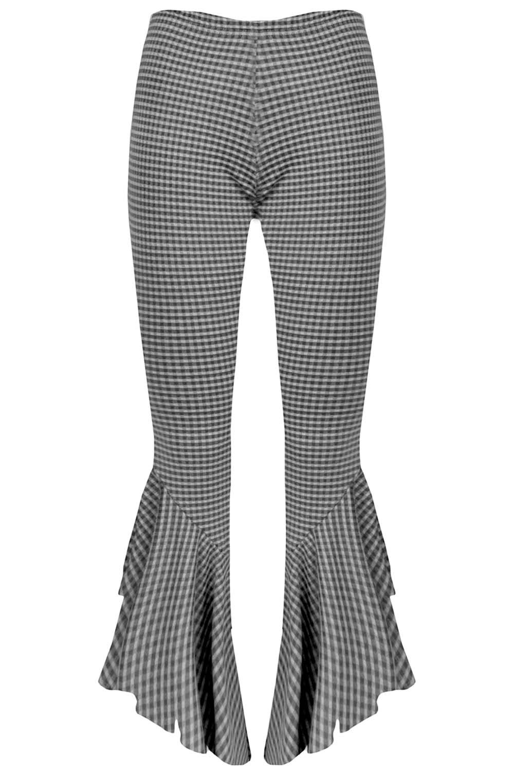 Trousers & Leggings Update your wardrobe with the trousers and leggings of the season. Cigarette trousers and wide-leg trousers come updated in jacquard prints and high waistlines.