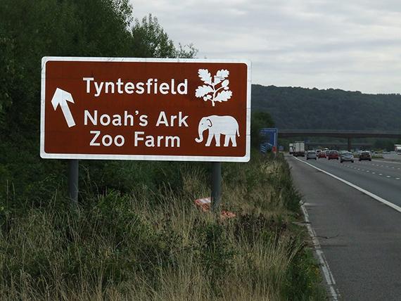 Noah's Ark Zoo Farm Sign