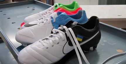 נעלי נייקי מוכנות ליורו (אור זילברמן)