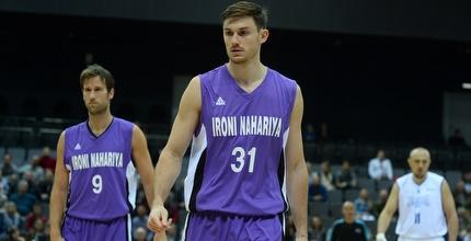 סטו דגלאס וניב ברקוביץ´ (FIBA)