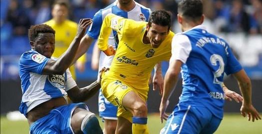 סולי מונטארי מנסה לעצור את ויסנטה גומס (La Liga)