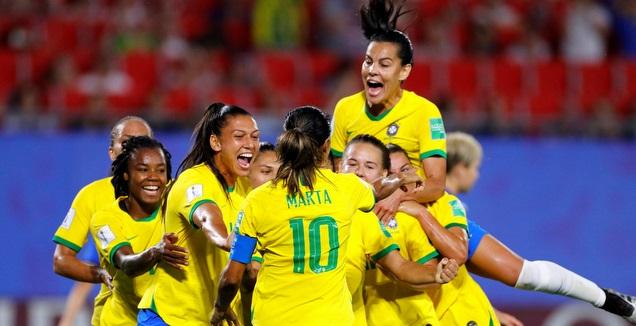 שחקניות ברזיל חוגגות (רויטרס)