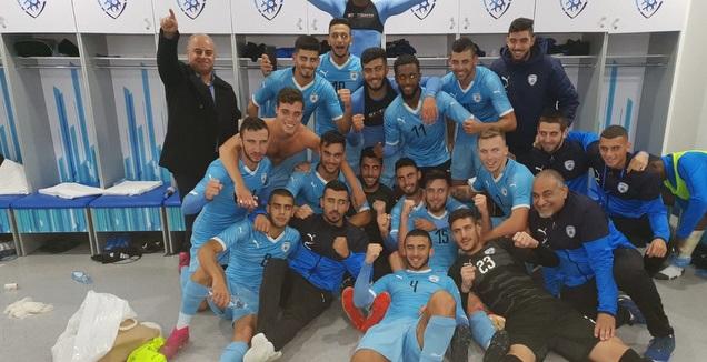 שחקני הנבחרת הצעירה לאחר הניצחון על קזחסטן (ההתאחדות לכדורגל)