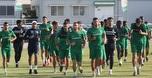 אוהדי מכבי חיפה הגיעו לאימון והשליכו אבוקות
