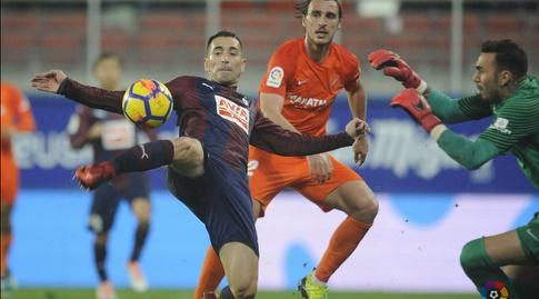 שארלס מאיים על השער (La Liga)