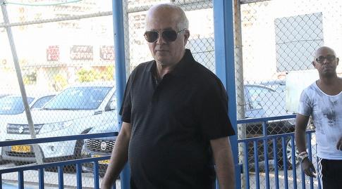 אבי לוזון (שחר גרוס)