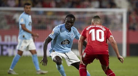 בורחה גרסיה מנסה לקחת את הכדור (La Liga)