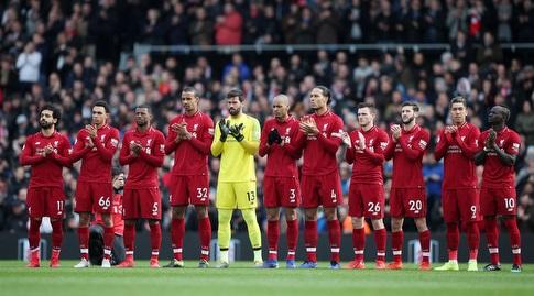 שחקני ליברפול לפני המשחק (רויטרס)