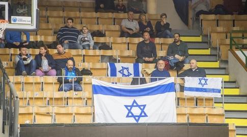 אוהדי חולון שהגיעו להונגריה )FIBA( (מערכת ONE)