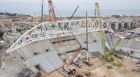 קורת הגג באצטדיון בלומפילד (רדאד ג'בארה)