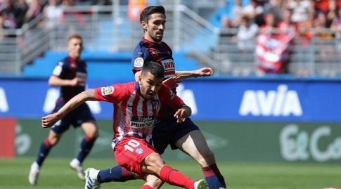 אנחל קוראה כמעט כובש (La Liga)