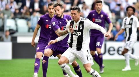 כריסטיאנו רונאלדו נלחם על הכדור (רויטרס)