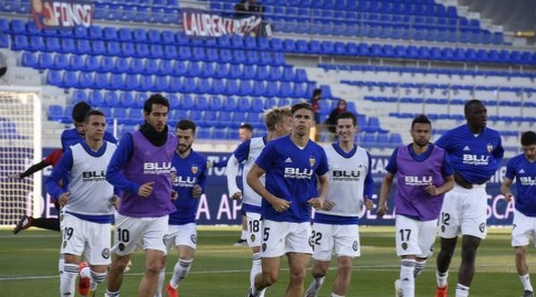 שחקני ולנסיה בחימום (La Liga)