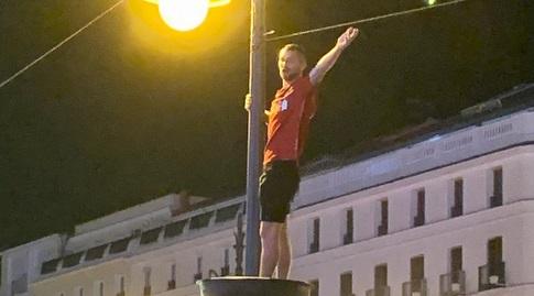 אוהד ליברפול חוגג ברחובות מדריד (אורן נתנזון)